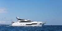 Sunseeker 101 Sport Yacht  - 2014 (sandy)  - MTU 16V 2000 M94 2 X 2640 Hp, 7 950 000 € TVA non payée